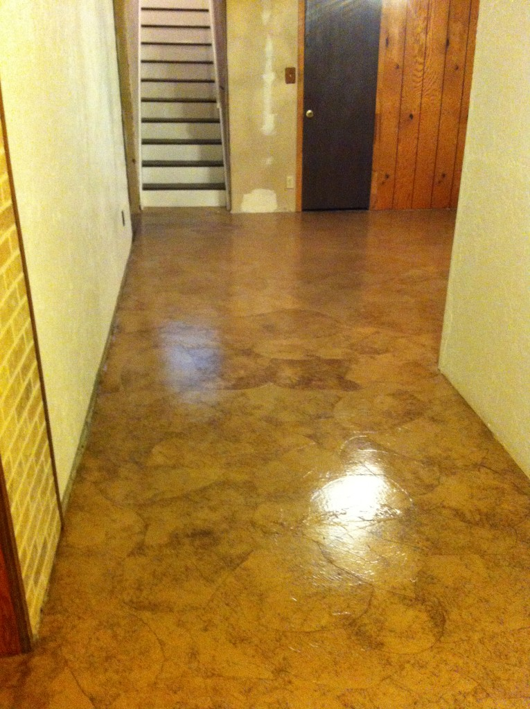 Beautiful finish on the cement floor in the basement.